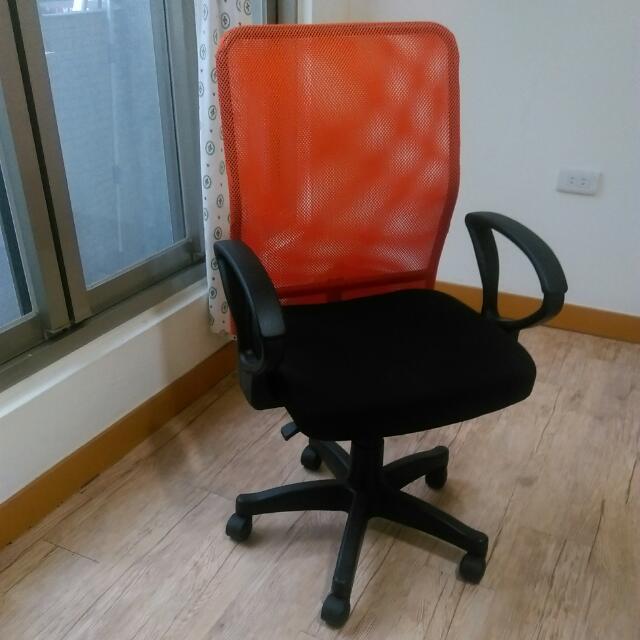 透氣網背電腦椅