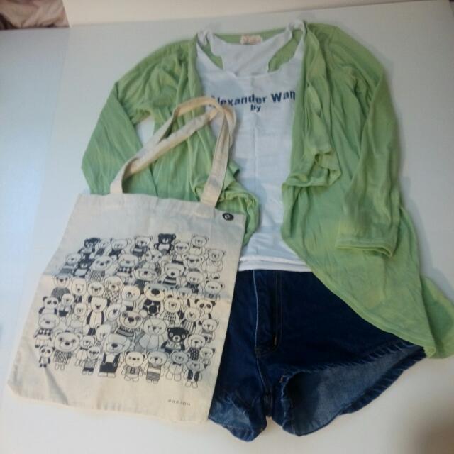 綠色氣質薄外套+白色彈性背心