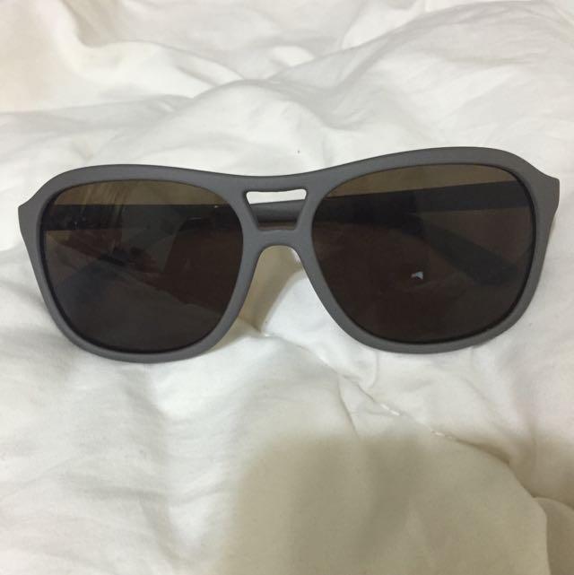 全新鐵灰色太陽眼鏡