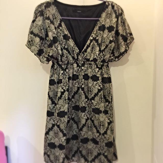 日本購回 DURAS 黑底圖騰小洋裝 質感超好 9成新