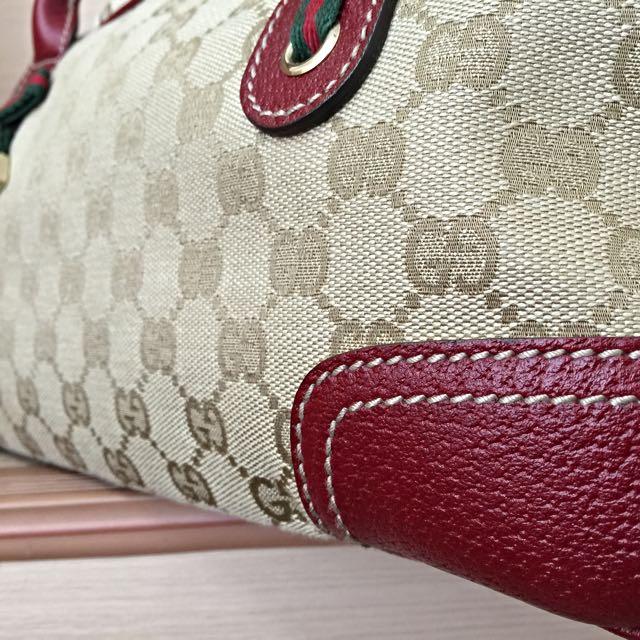 Beautiful Rare Gucci Handbag (Almost New!)