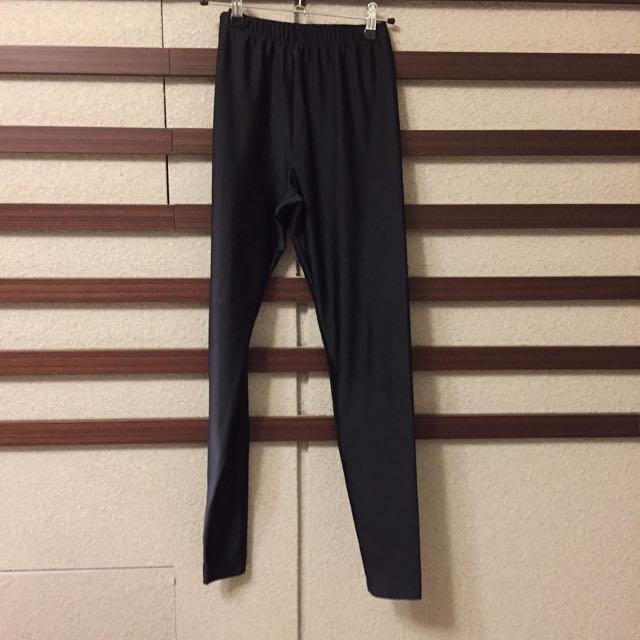 🌀M碼黑色彈性內搭長褲。