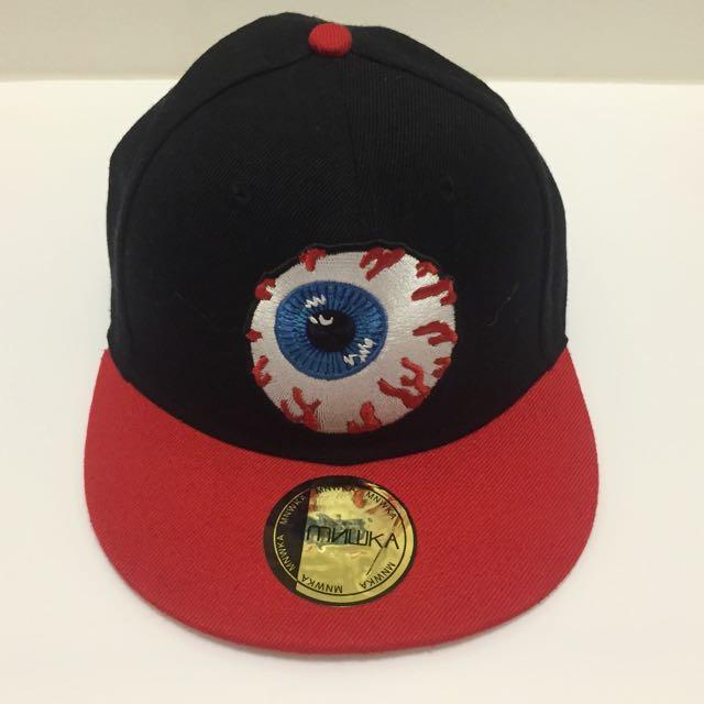 Mnwka 眼球帽子