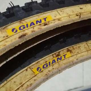 NOS Giant by KENDA Old School BMX Bicycle Comp III Style Tires Tyres