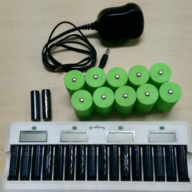桃園南崁售3C    1.samya  LCD電池充電器含變壓器 台灣製 用沒幾次 1000元    2.三洋 SANYO 2450  4號  日本製  用沒幾次  20顆  600元    3.綠色電池轉換筒  4轉1  100元    以上誠可議價  可面交 郵寄  請留言或私訊