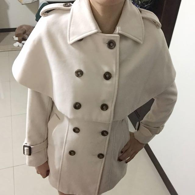 淺粉色大衣