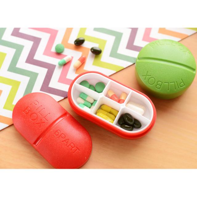 現貨 隨身攜帶創意 彩色藥盒 藥丸形狀 好攜帶 好可愛