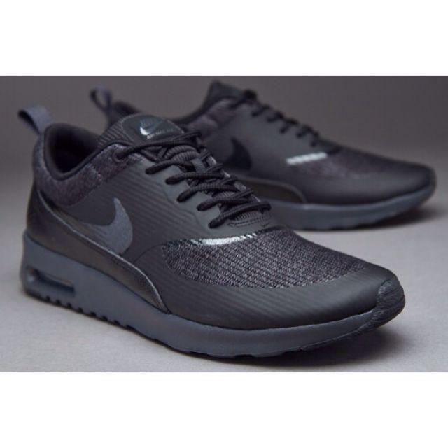 5c951e0dd906 Nike Air Max Thea triple black