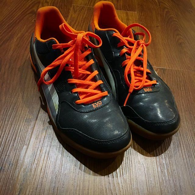 e4d6d70c2735 Puma Evo Speed 4 (Futsal Shoes), Sports on Carousell