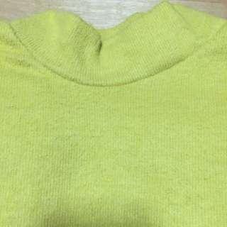 鵝黃色絨毛立領內搭(冬款)