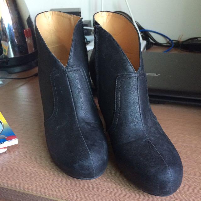AS黑色踝靴