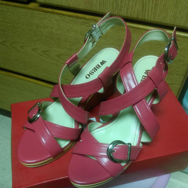 (含運)全新Beso桃紅高跟鞋