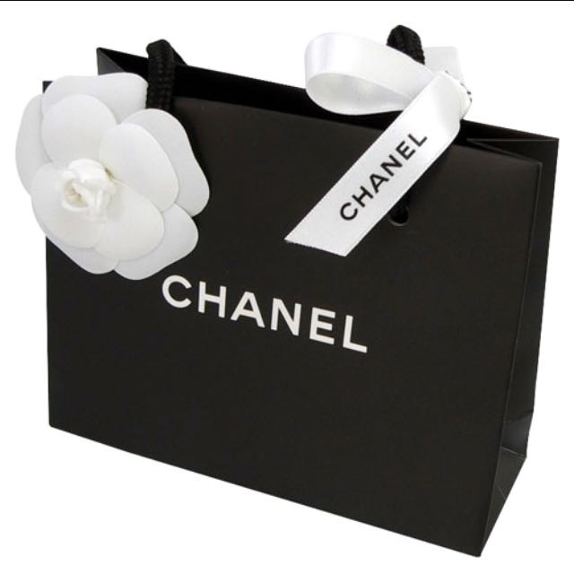 64b181e3aac2af Chanel Paper Bag with Camellia Flower and Ribbon, Design & Craft on ...