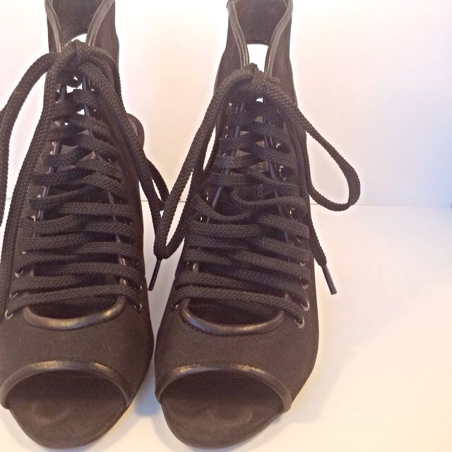 Tony Bianco Suede Lace Up Wedges, size 35