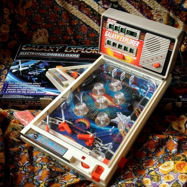 Vintage 80'S Retro Pinball Game
