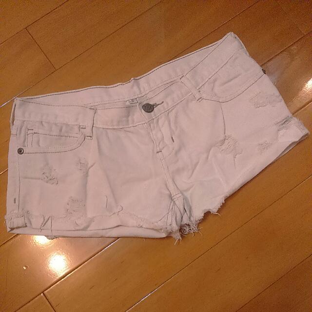 ◆ 降 ↓ 白色刷破熱褲