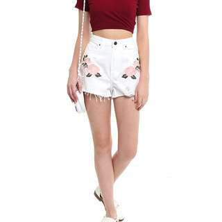 MDS Collection - Less Embroidery Shorts In White