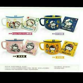 7-11/超商 Hello Kitty 仿琺瑯造型大杯碗+杯墊組 黃-武術風 藍-音樂風 1組130元