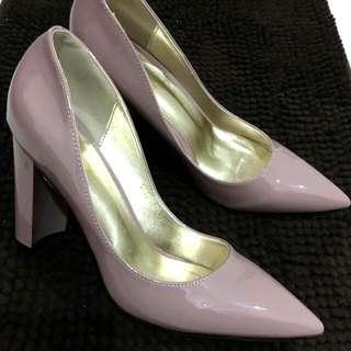 【絕美】漆皮粗跟尖頭鞋