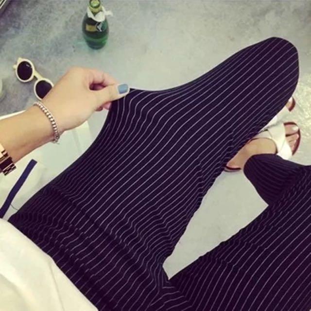 黑白直條細紋彈力打底窄管褲