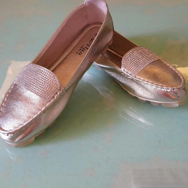 [降價全新,可議]專櫃金色鑲鑽平底休閒鞋,舒服,修飾腳型
