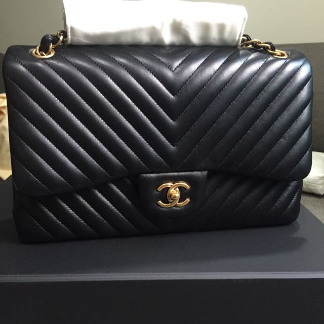 sold like new chanel classic jumbo chevron double flap bag in black lambskin and matte ghw. Black Bedroom Furniture Sets. Home Design Ideas