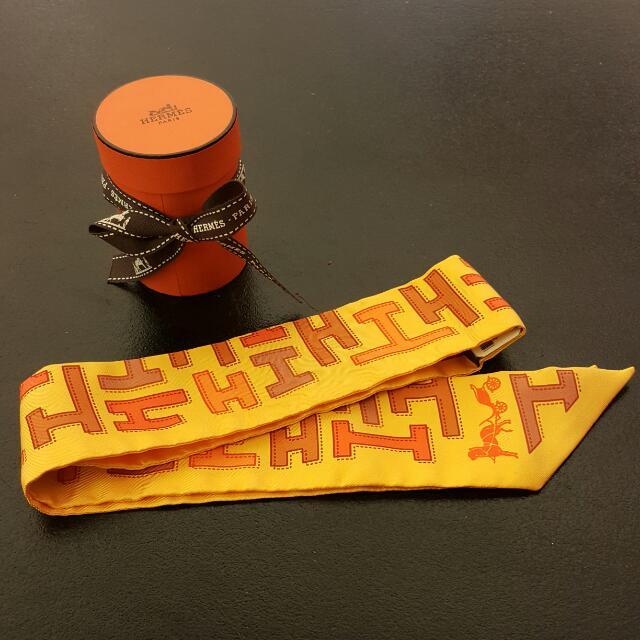 HERMES  愛馬仕 TWILLY 100%SOIE 長窄版型絲巾
