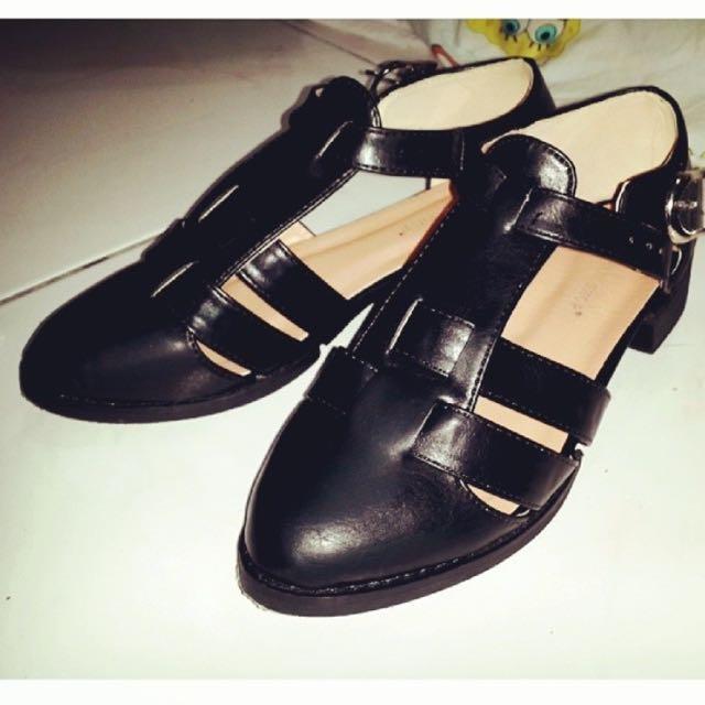 Queen Shop 鞋子
