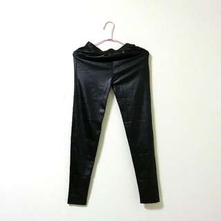 黑色皮質內搭褲