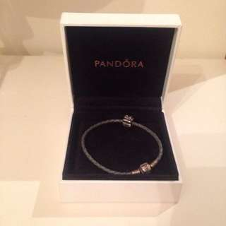 Pandora bracelet - leather band - 1 X charm