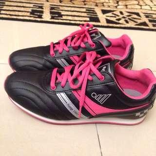 Jump 運動鞋 23.5號