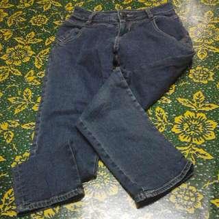 black stretchable jeans
