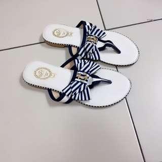 海軍風夾腳涼鞋
