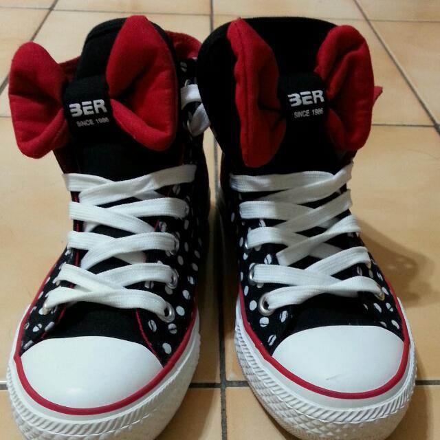 可愛蝴蝶結點點鞋