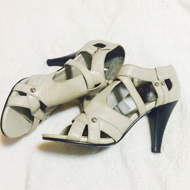 專櫃 Moda 真皮米色高跟鞋 23.5