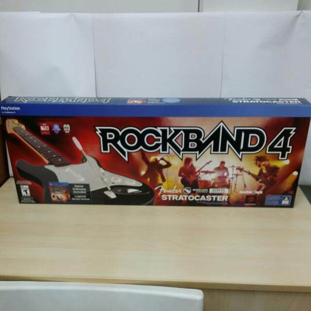 Brand New) PS4 Rock Band 4 With Guitar Bundle / R1 (Sold Out