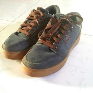 League Shoes