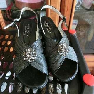 超美 水鑽涼鞋 23.5