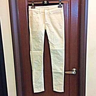 米白色窄管長褲