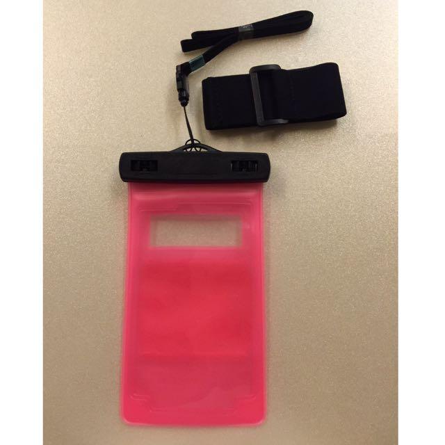 🌀☀️降降降 出清150元☀️🌀 手機防水袋(附臂戴、頸掛式吊繩)