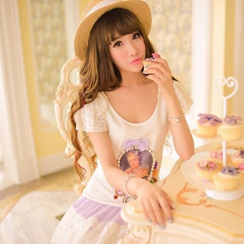原創品牌經典 維多利亞公主優雅露肩印花女王頭水鑽蕾絲T恤(現貨M)