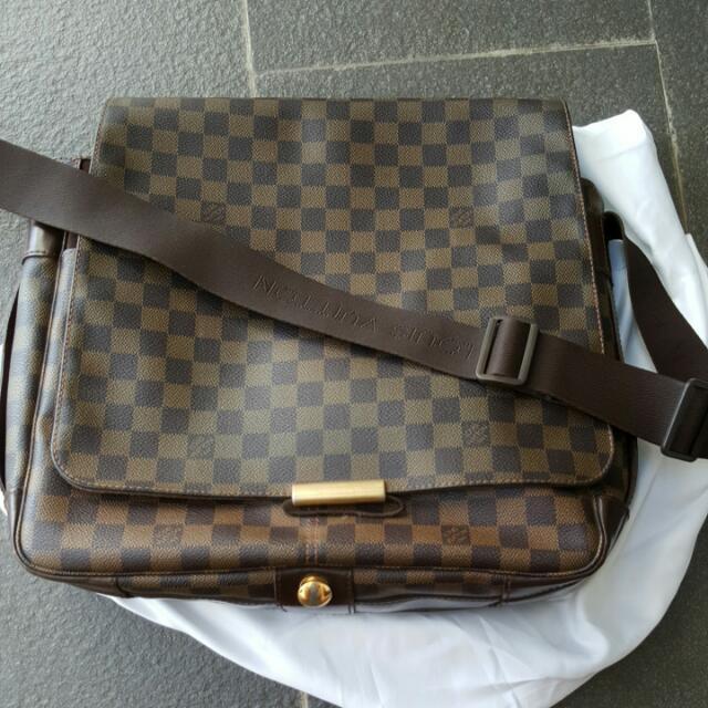8c0b27e5f380 Louis Vuitton Damier Ebene Canvas Bastille Messenger Bags. Authentic ...