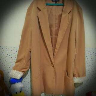 蕾絲粉膚西裝外套💕
