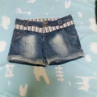 🚚 牛仔短褲M號