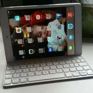 iPad Mini w/ Retina Display 32GB Silver