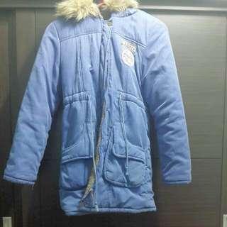 🚚 藍色厚外套