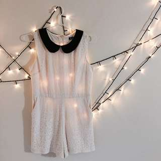 Summer Cute White Jumpsuit With Black Collar With Pockets Detailed Patterns