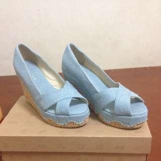 流行女鞋(械形鞋)水藍