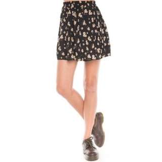 ❤️ Brandy Melville Heather Skirt in Sunflower