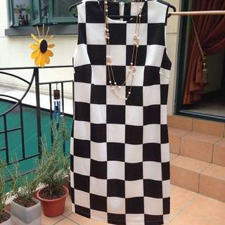 Quick Sales! BN - Checkmate Grid Shift Dress